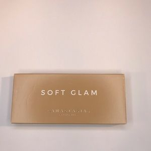 Anastasia Bev Hills Soft Glam Eyeshadow Palette